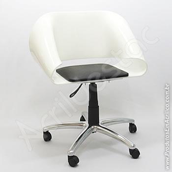 Cadeira em acrílico Envelope com Base Giratória