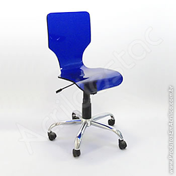 Cadeira em acrílico Favorita com Giratória