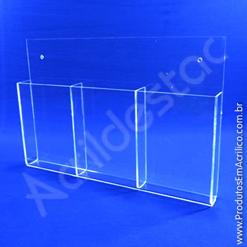 Display em acrílico com bolso triplo 21x10