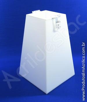 Urna de acrílico Branco 20cm alt Piramidal